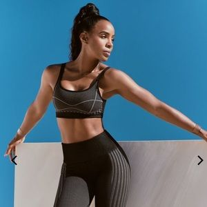 Kelly Rowland Fabletics Outfit size XS